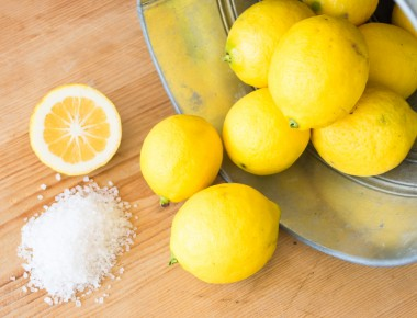 lemon banking soda